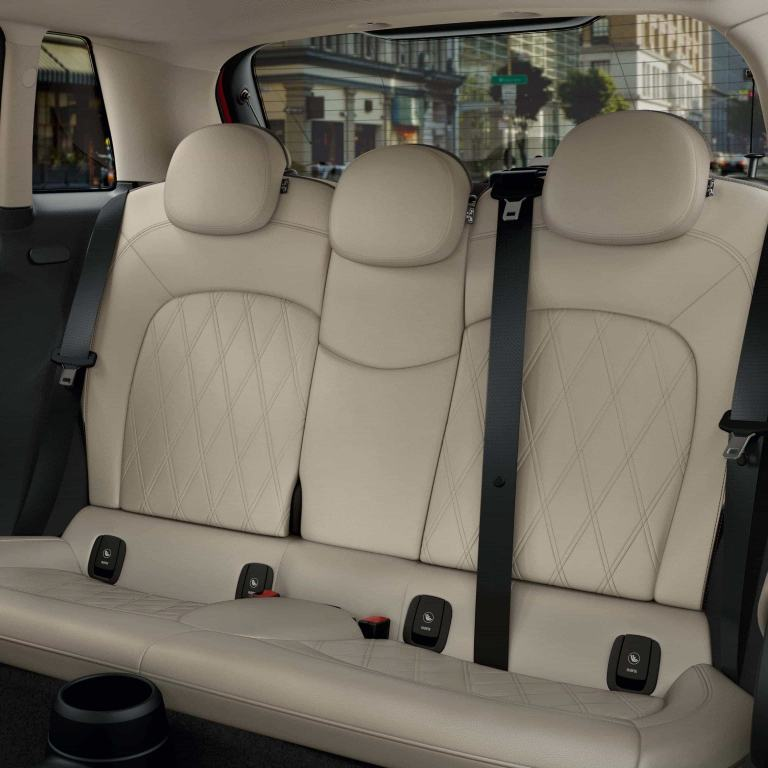 MINI 5-door hatch – interior