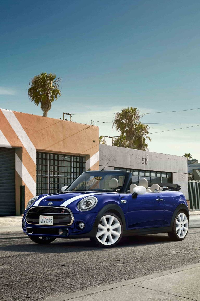 MINI CONVERTIBLE - INSIDE